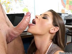 Madelyn Marie feels the best feeling ever with Justin Magnums beefy hard meat pole in her cunt