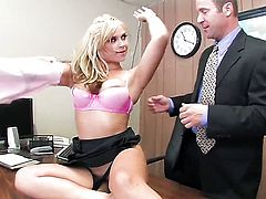 Sarah Vandella loves the way man fucks her mouth