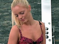 Vanda Lust showers and puts on her lingerie
