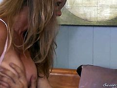 Dyanna Lauren getting face banged by Xander Corvus the way she loves it