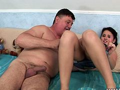Sex greedy fat daddy visits his long term lover over at her place. She pleases him with a thorough blowjob before she moves her tongue towards his anus to give riming in peppering sex video by 21 Sextury.