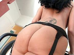 Ava Addams is on the way to orgasm with hard fuck stick in her ass
