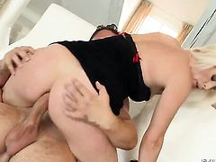 Kathy Anderson shows her cock sucking skills in oral action with David Perry before backdoor sex