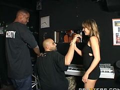 Lexi Love has got curvy body shape. She is wearing tiny black dress that is tracing her body shape. She seduces the guy in the music studio. Watch her sucking huge black meat deepthroat.
