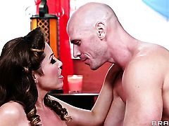 Johnny Sins stretches charming Kianna Diors mouth with his thick pole to the point of no return