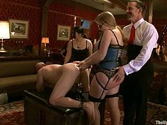 Jessie Cox is playing dirty games with Maestro Stefanos indoors. This time it is her turn to torture the dude, so she does all that she can to destroy his ass.