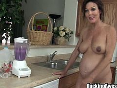Prego mom Nancy prepares her smoothie! She rubs her clitoris on the blender and after it's ready, positions herself with the ass up. Hot pregnant mature talks about, how horny her pregnancy makes her, but enough with talking. Let's see her, getting that hot anus filled up with her favourite smoothie!