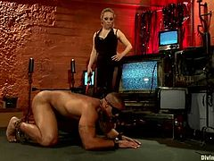 Some HD Femdom BDSM session with a slender chick Aiden Starr and her sex slave Rovert Axel! He is tied up and no way to escape from the BDSM passion of this bitch!