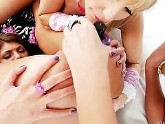Ashley Fires gets the hole between her legs rubbed by her lesbian friend Roxy Raye