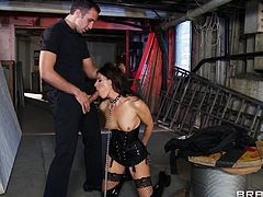 India is looking for an adventure, she's a wife that's bored of her housework and her husband so Lee knows exactly what this bitch need. He plays a kinky game with her and puts her to undress, remaining only in that slutty costume. Lee then comes from behind, grabs her by the hair and mouth fucks the slut