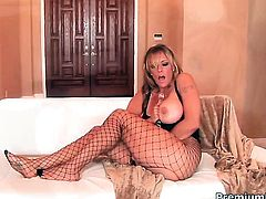 Ginger Lynn cant wait to be tongue fucked her lesbian sex partner Debi Diamond