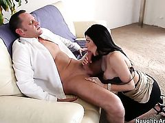Latina Sativa Rose attacked by sturdy pole of Alec Knight