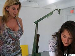 Press play on this hardcore scene and watch the slutty blonde milf Sara Jay being nailed by this fella with a big cock.