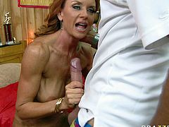Hell working bicth Janet Mason gets her snatch licked