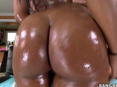 This sex-starved chocolate beauty never gets enough of her tight asshole, and neither do we! Bootylicious temptress finds a dildo that suits her needs and fucks her butthole hard until she reaches sweet orgasms.