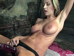 Some solo BDSM experience with a delightful blond sex doll Sammie Rhodes. She gets naked and the fucking machine is going to make her feel good.