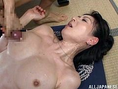 A very traditional Japanese porn video with Hitomi Oohashi