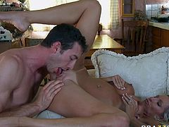 Sizzling MILF Emma Starr rides meaty cock vigorously