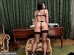 Blonde Candy Strong loves fucking herself for you to watch and enjoy