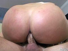 Anal excavations with bootylitious blonde seductress