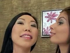 asian huge dildos and lesbian fisting