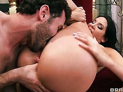 James Deen seduces Missy Martinez into fucking and shoves his love wandin her anal hole