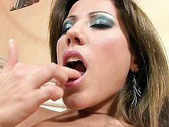 Anita Pearl with tiny boobs and smooth beaver cant stop playing with herself