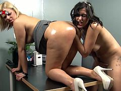 These extremely lesbians get together to explore each other's wet pussies with their fingers. Check out this amazing lesbian sex video now and I'm pretty sure you will like it.