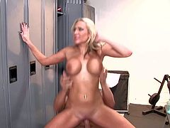 Tanned experienced stud Lee Stone with muscled body and rock hard shaved cock bangs whorish blonde milf Alansh Rae with enormously big fake tits all over the locker room.
