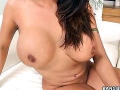 Latina Candi Cox with huge melons gives oral job to horny dude