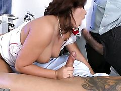 Amanda Black with big jugs stick his dick in her ass