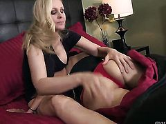Julia Ann cant resist Dana Vespolis attraction and gives her slit a lick