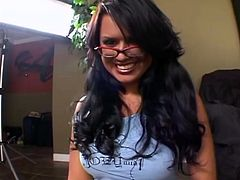 Curvy Brunette With Big Tits In Glasses Eva Angelina