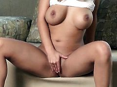 Ashlynn Brooke dreaming about real sex with real man with her fingers in her bush