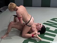 Isis Love, Vendetta, Calico and Claire Dames are struggling with each other on tatami. Then the winners fuck the losers' pussies with strapons and they all enjoy it much.
