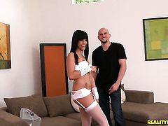Piercings Jessie Marie tries her hardest to make hard dicked dude bust a nut with her mouth