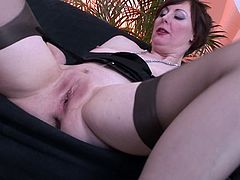 Busty mature babe needs this tasty dick to pound her shaved twat in hardcore