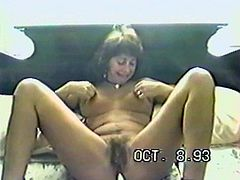 Believe it or not, you'll be getting a boner thanks to this vintage video. Take a look at this milf's sexy body as she pleases herself in this amateur clip.