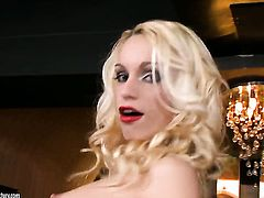 Blonde Erica Fontes cant stop dildoing her love tunnel