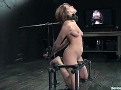 Fuckable hottie Dana Dearmond is playing dirty games with Maestro in a cellar. She lets the guy put her into chains and then enjoys having his dick in her mouth.