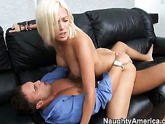 Rocco Reed has a great time fucking Experienced wench Jenny Hendrix with bubbly ass