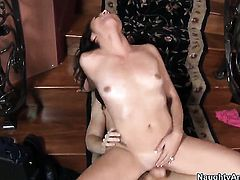 Danny Wylde is one hard-dicked dude who loves screwing Chica Kimberly Kasanova