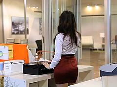 FANTASYHD Office secretary shaged by her chief