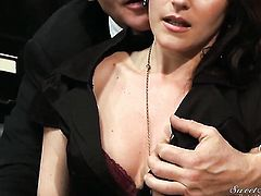 Evan Stone gets pleasure from fucking hot bodied Samantha Ryans face