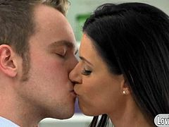 Gorgeous cougar India Summer starts the action by exchanging sweet kisses with her man and slowly go down to blow his cock. They continue pleasuring each other in the living room where she gets her pussy plowed doggystyle then she rides on his c