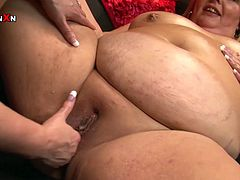 This horny lesbians know how to spend their time with pleasure. They rub oil all over each other. Now they are finally ready for wild fisting session.