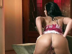 Brianna Jordan taking sex toy in her wet spot