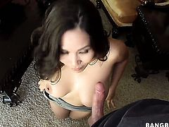 Lovely babe Jessica Bangkok gets covered in sticky nectar on camera for your viewing enjoyment