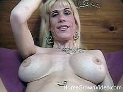 This is a regular and routine sex for her! Everything she does on his cock and with him is tapped on this amazing home video.