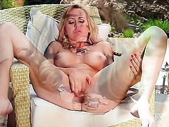 Brett Rossi gives a closeup view of her cunt as she masturbates
